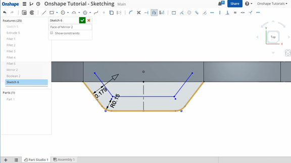 OnShape's sketching environment, showing the Offset tool with an arrow that responds to dragging.