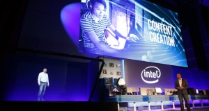 Gregory Bryant, Intel corporate vice president, joins Navin Shenoy via hologram at Computex 2016. The hologram was powered by the new Intel Core i7 Extreme Edition processor (Image courtesy of Intel)