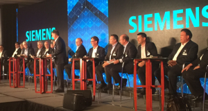 Siemens PLM Software's leadership on stage at the company's 2017 Industry Analyst Conference.