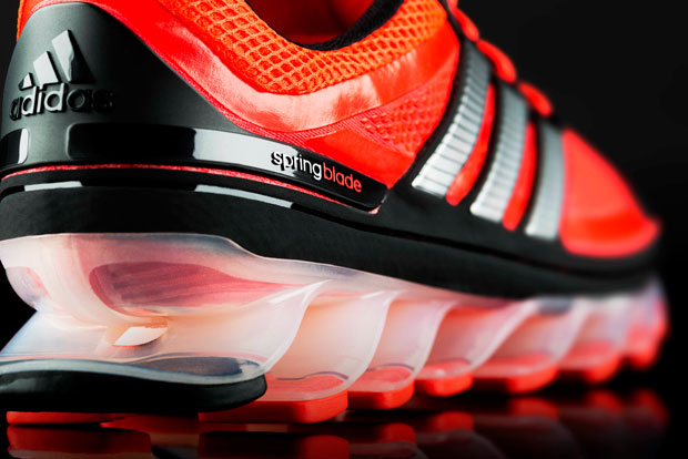 Collaboration and SIMULIA simulation software helped adidas develop the Springblade running shoe.