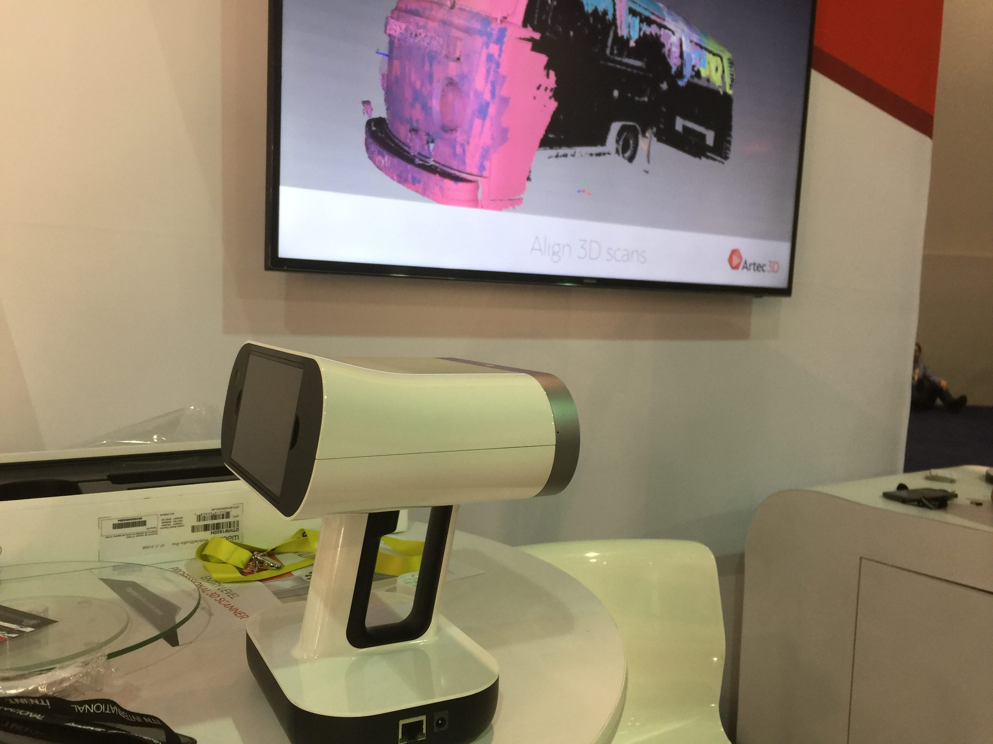 In Search Of Engineering Tech At Ces Digital Resources Circuit Design Software With Self Contained 2d Cad Engine The Artec 3d Leo Enables Scanning