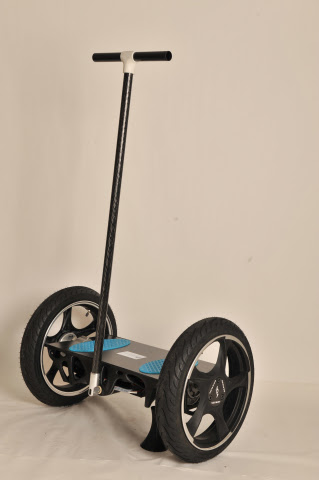 The first fully-functional 3D printed prototype of the self-balancing scooter featuring Stratasys 3D printed frame and platform, produced in tough Nylon6 material. Image from Business Wire.