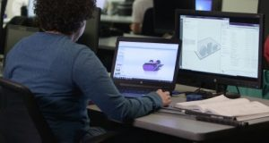 Stratasys Additive Manufacturing-certified Jazmine Darden from Dunwoody College of Technology reviews the Fabrication Considerations module – and prepares on GrabCAD Print for the Stratasys F370 3D Printer.
