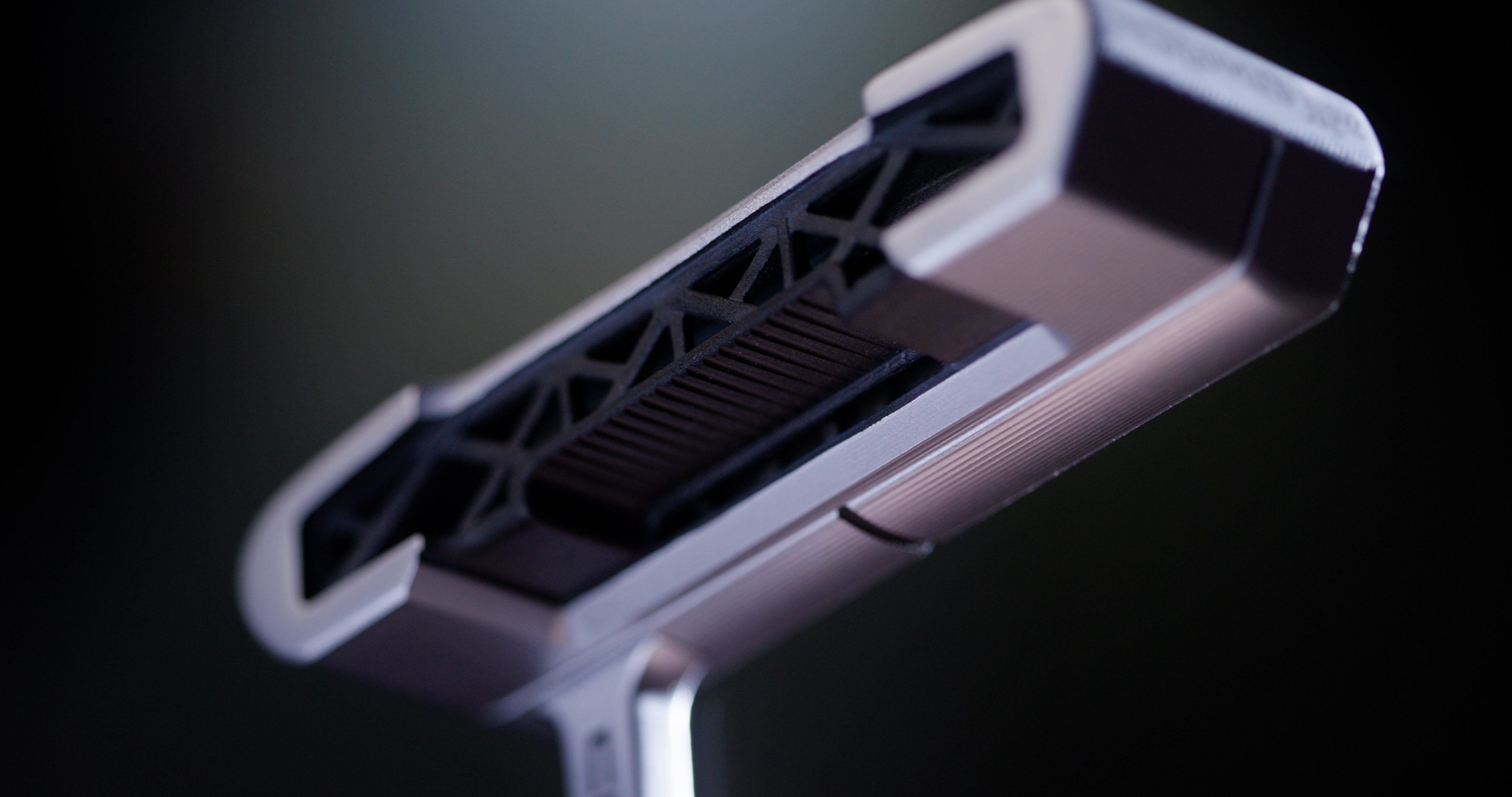 The KING Supersport-35 putter features a fully 3D printed metal body with an intricate lattice structure. Image Courtesy of COBRA Golf